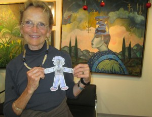 Flat Stanley arrives in the mail in SMA at La Conexion